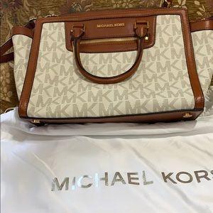 Michael Kors  bag!! Lightly used!!